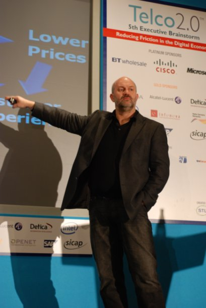 Amazon_CTO_Werner_Vogels_Flywheel.JPG